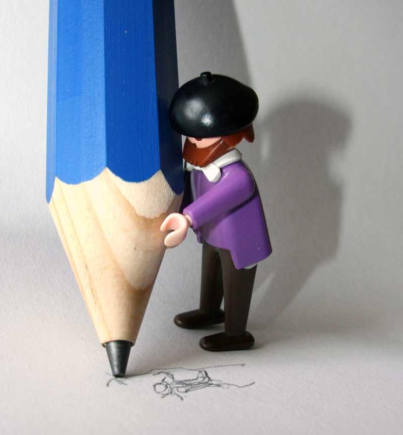 Monsieur P big pencil