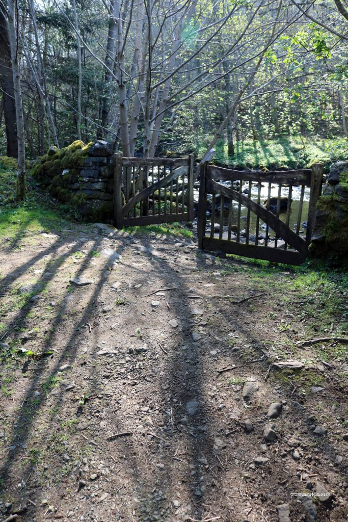 uig woodland gate